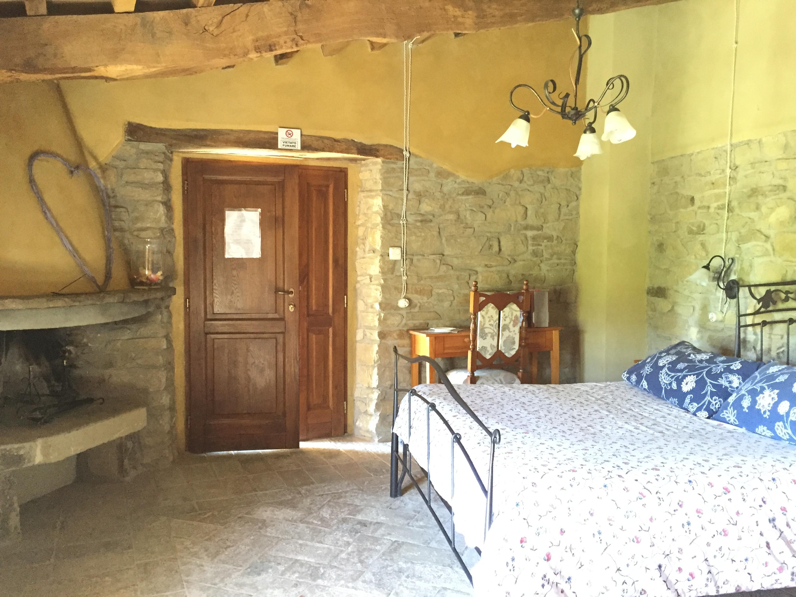 Dormire In Due Letto Singolo.Dormire La Grotta Dei Folletti