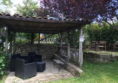 Gazebo giardino piscina
